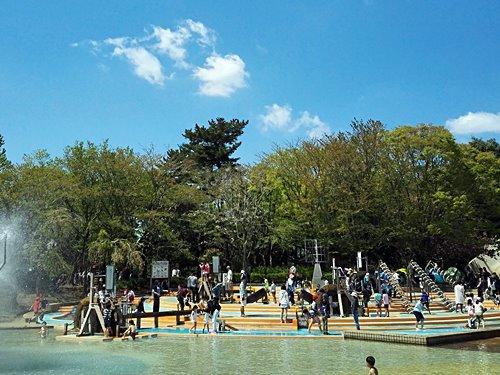 そろそろ水遊びも大丈夫?ゴールデンウイーク前のアンデルセン公園