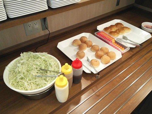 ビジネスホテルの無料朝食その1「ホテル AZ 愛媛内子店」